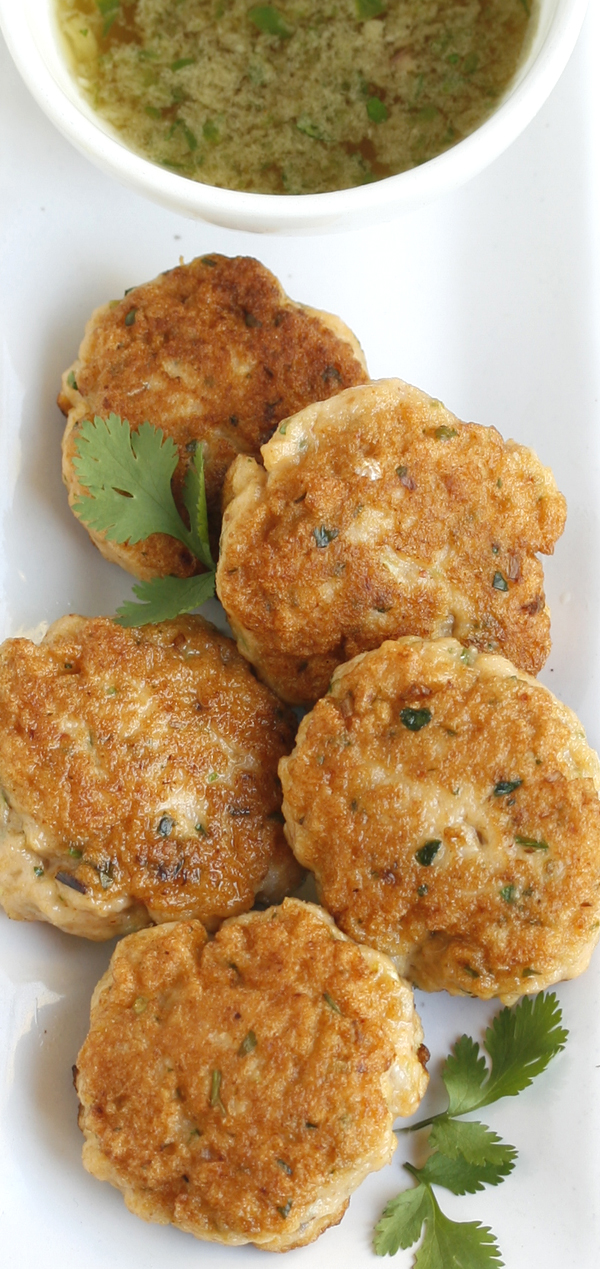 Easy Thai Fishcakes With A Chilli Lime Dipping Sauce Recipe