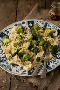 broccoli pasta with anchovies, garlic & chilli