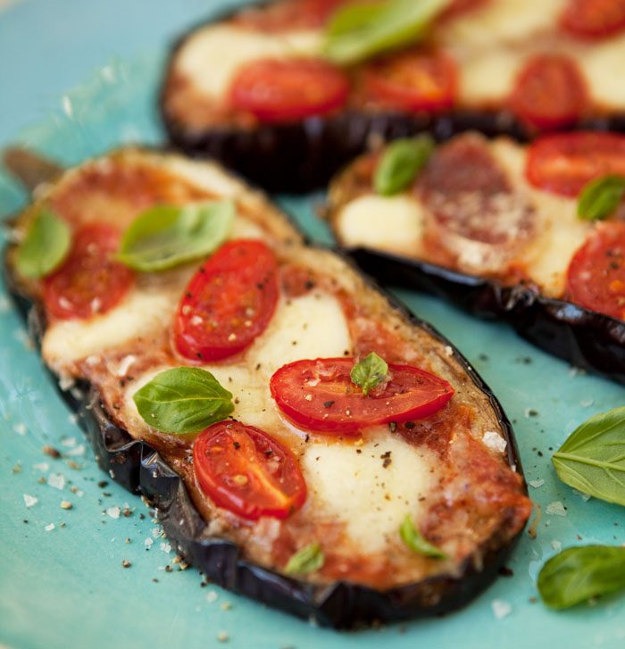 grilled and baked aubergine 'pizza' - Drizzle and Dip