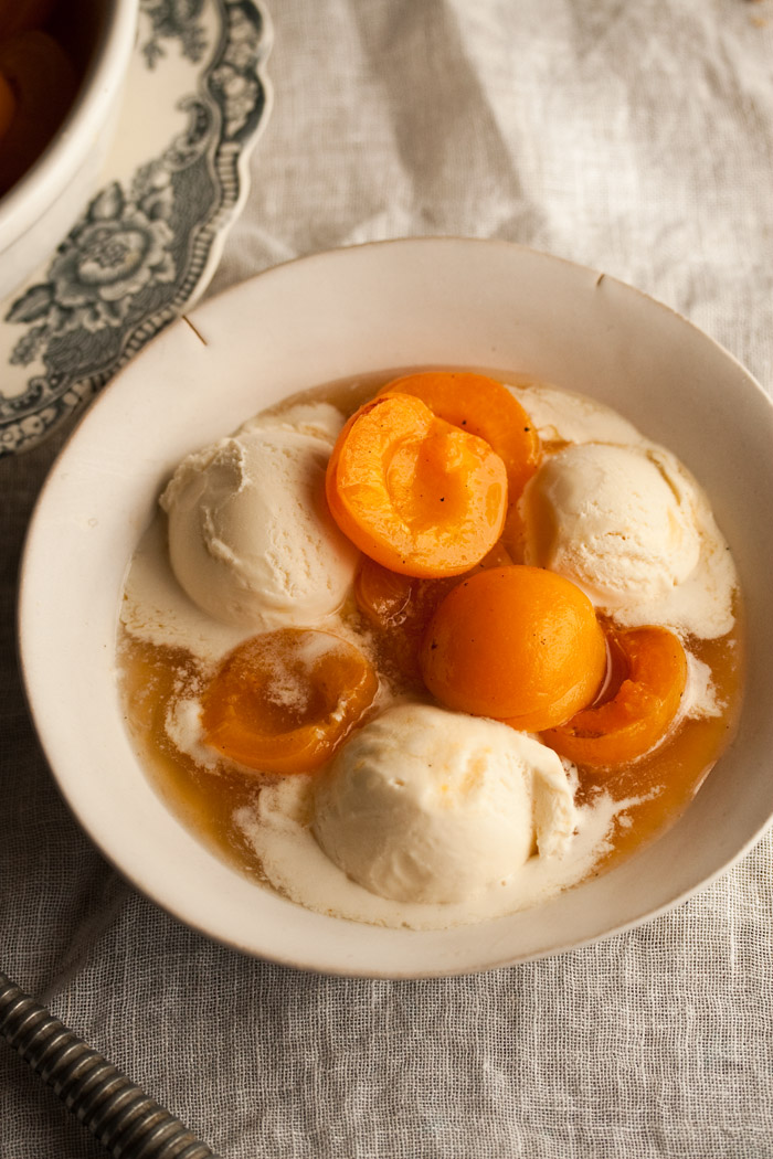 apricots poached in chamomile tea with vanilla