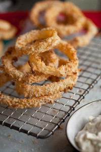 crispy oven roasted onion rings