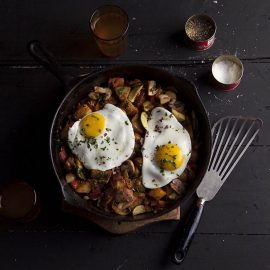 rustic smoky breakfast hash with gammon