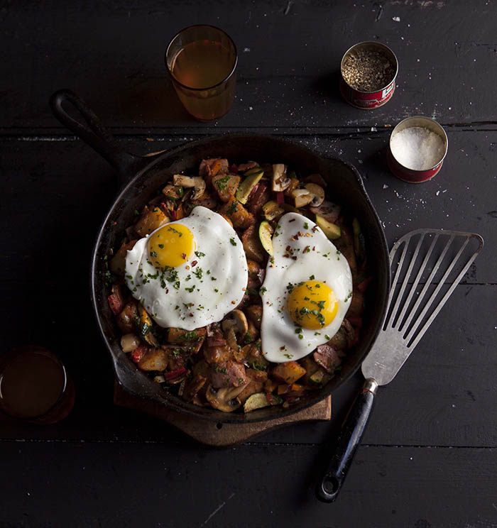 rustic smoky breakfast hash with gammon