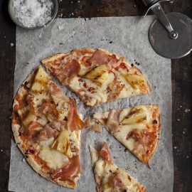 easy-hawaiian-tortilla-pizza-grilled-pineapple