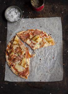 hawaiian-tortilla-pizza
