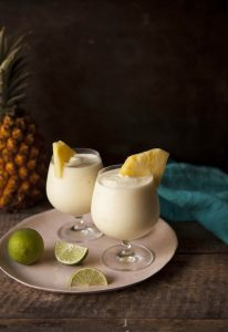 how-to-make-a-frozen-pineapple-daiquiri