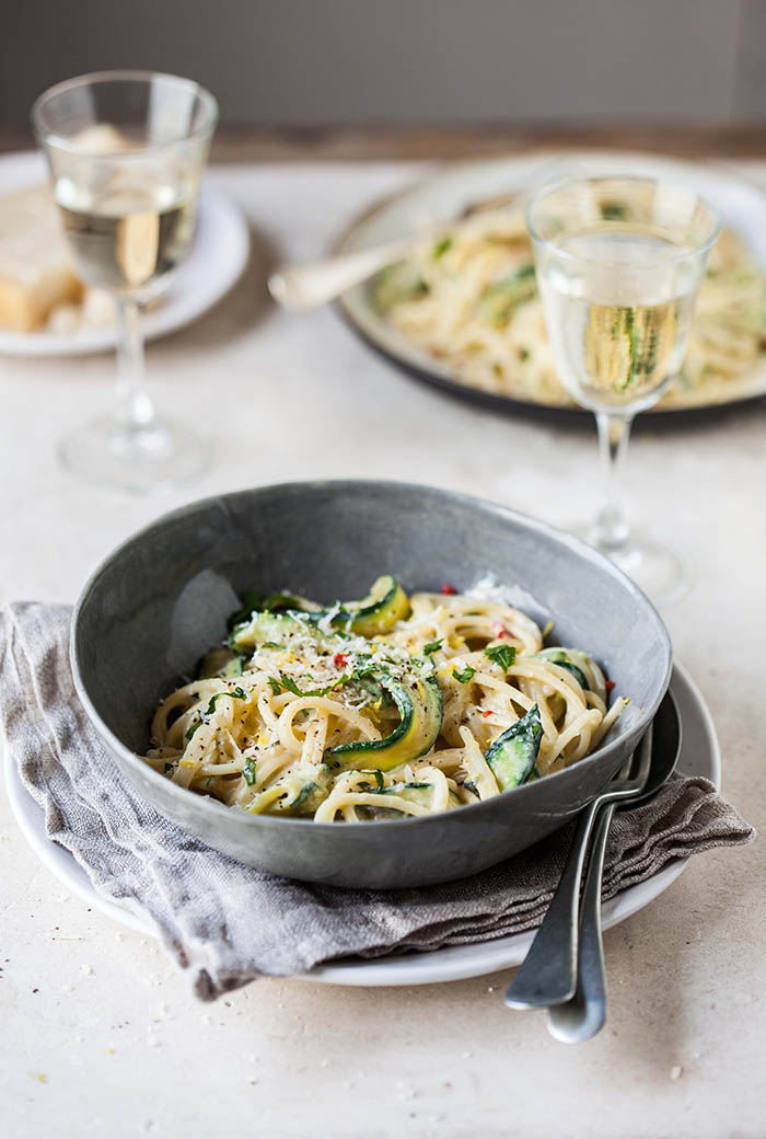 This lemony zucchini carbonara is a quick and easy recipe to whip up ...
