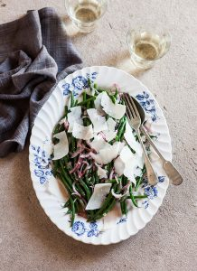 green beans with red onion and Pecorino