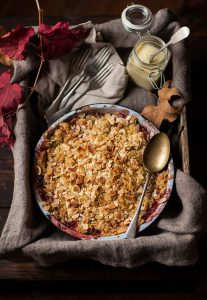 apple and strawberry crumble