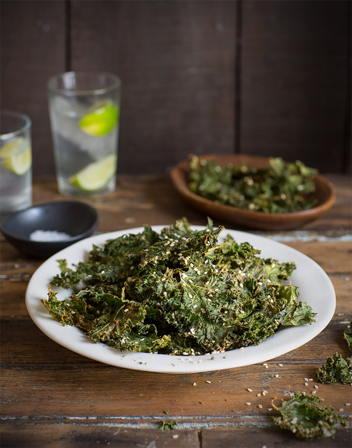 kale chips with tanini and sesame seeds