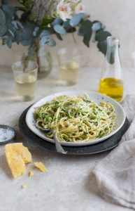 lemony linguini with zucchini 'noodles'
