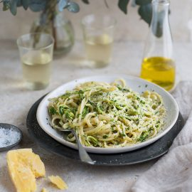 lemony linguini with zucchini 'noodles'
