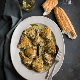 A chicken recipe with white wine, herbs & garlic mad ein a slow and a pressure cooker