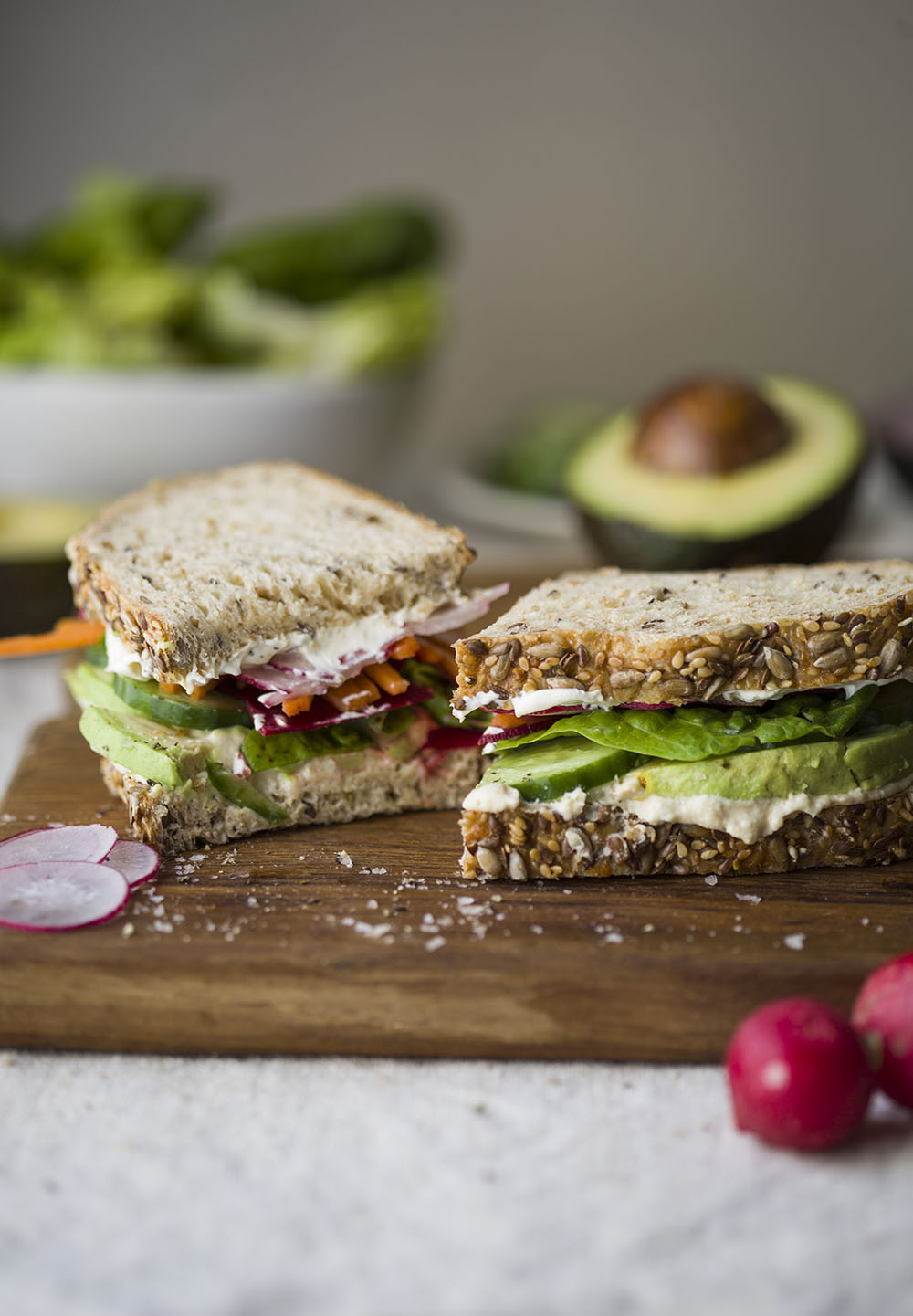 loaded vegetable sandwich with avocado & hummus