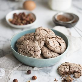 hazelnut meringue cookies or brutti ma buoni