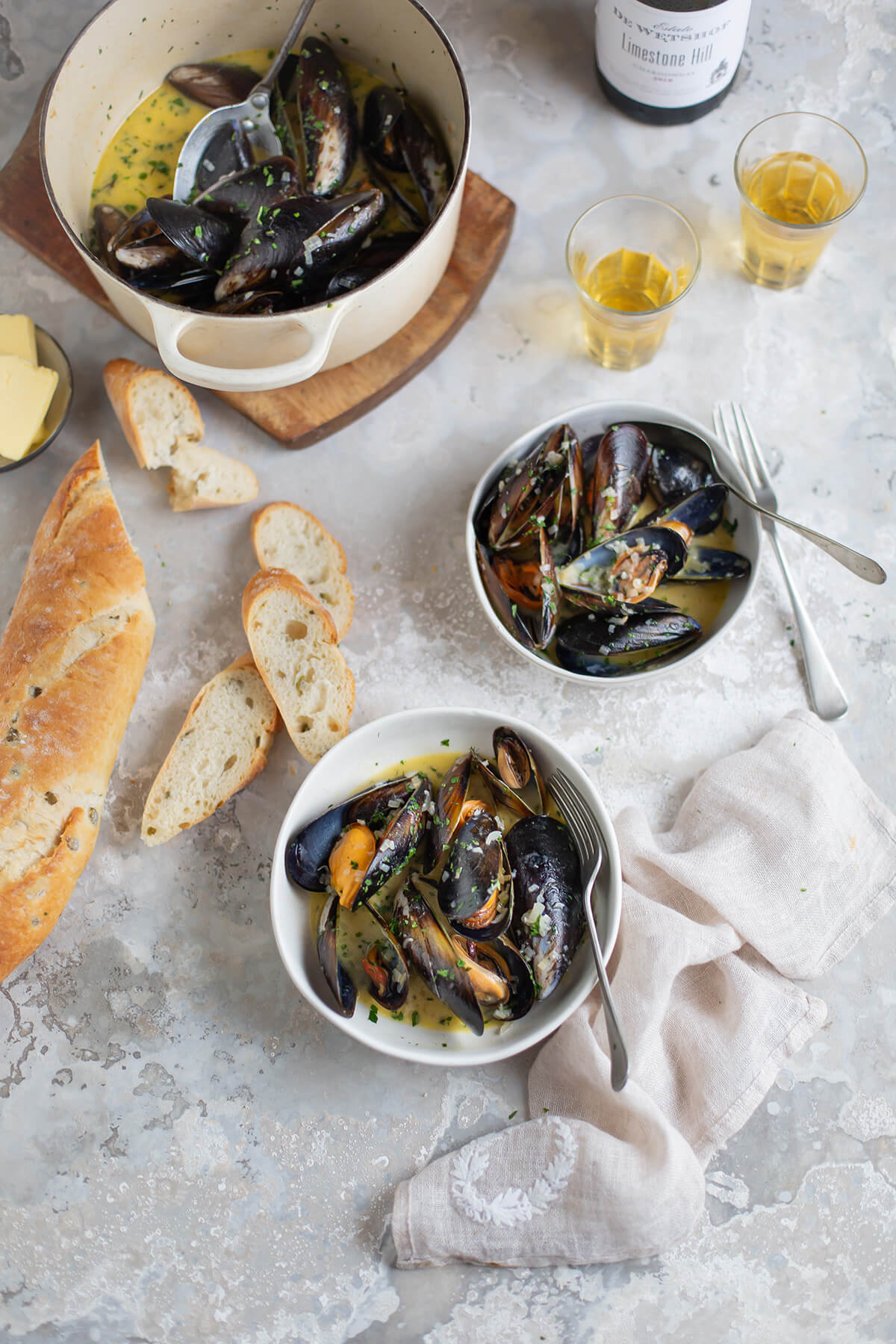 Mussels with white wine, garlic & cream recipe