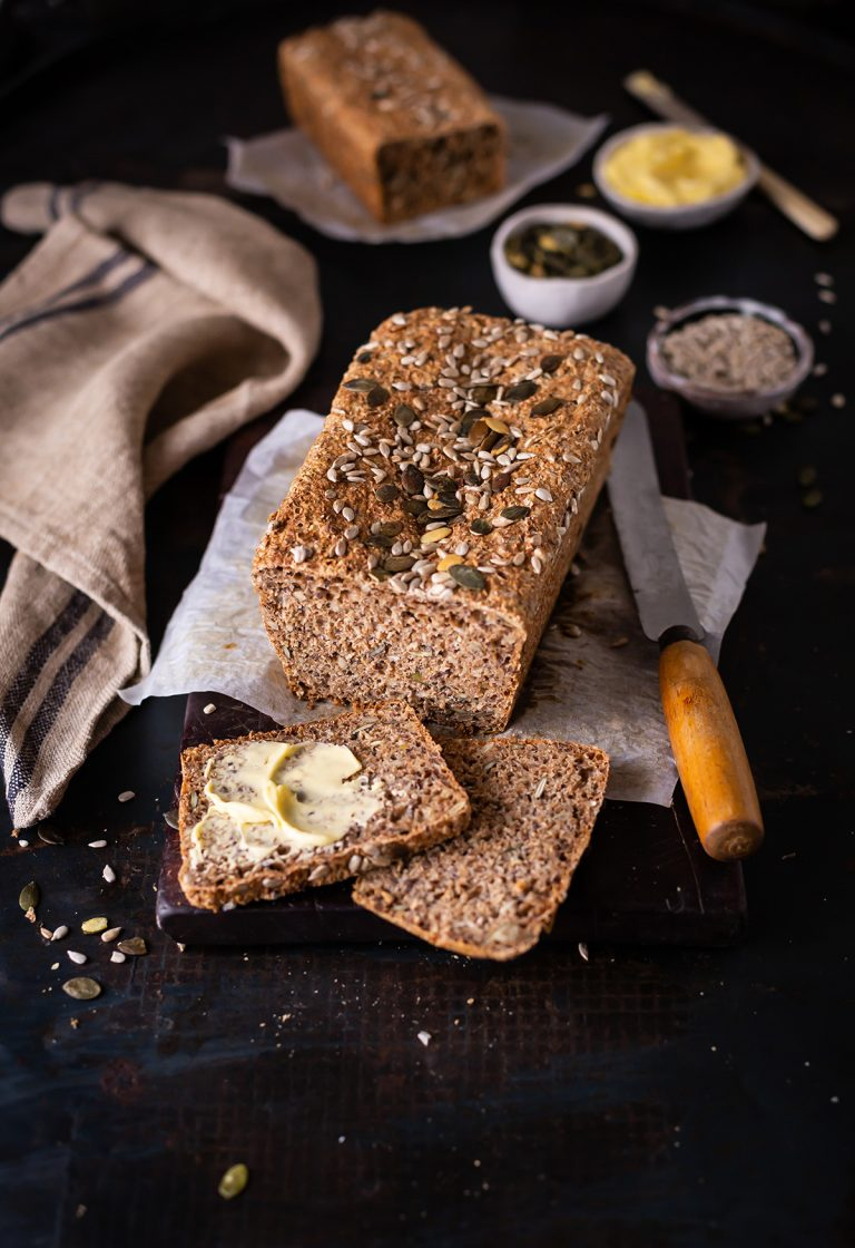 A perfect & easy whole wheat bread loaf recipe
