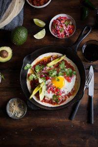 Huevos rancheros with chipotle recipe