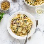 Creamy pasta with artichokes, spinach & capers recipe