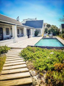 Waves beach house in Kommetjie, Cape Town